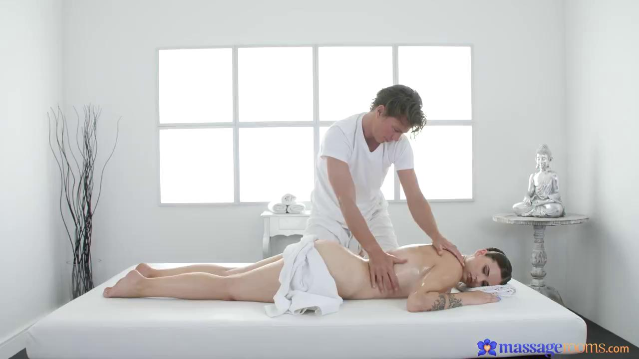MassageRooms Taylee Wood HD