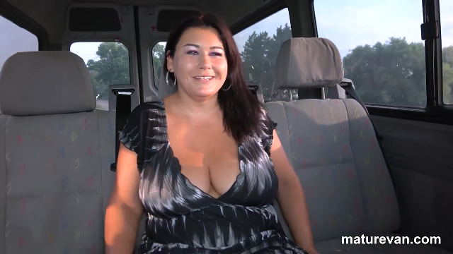 MatureVan Crazy Drive With A Horny MILF